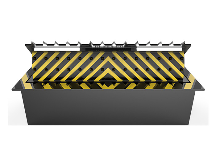 Anti Vehicle Hydraulic Road Blocker With Spikes , 6 Meter Long Entrance Point
